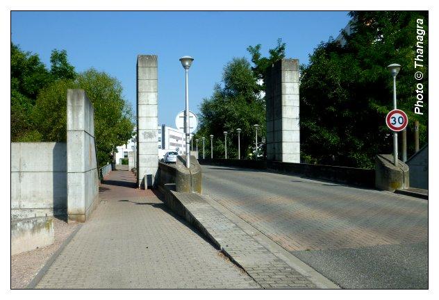 032 molsheim